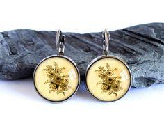 Vintage flower drawing earrings, black yellow dangle earrings, antique silver drop earrings, image earrings, glass cabochon picture earrings