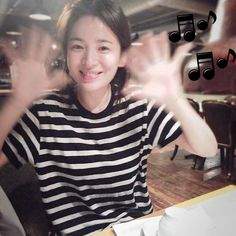 #songhyekyo enjoy your dinner! Instagram media by kyo1122 - 밥먹는다~