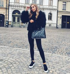 「Wearing my favorite color today...  I'll post the look on my blog later tonight! www.kenzas.se」 Kenza Zouiten waysify