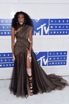 Prepare Your Eyes for the VMAs 2016 Red Carpet