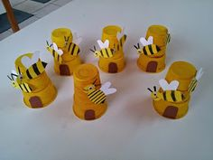 Egg Carton Bumble Bee Craft for kids- spring or summer art project to make! Bee Activities, Art Activities For Toddlers, Creative Activities For Kids, Bee Crafts For Kids, Animal Crafts For Kids, Diy For Kids, Bumble Bee Crafts, Summer Art Projects, Summer Crafts