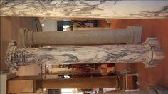 Säule in Marmor - http://www.achillegrassi.com/de/project/colonne-stile-dorico-in-marmo-cipollino-apuano-lucido/ - Dorische Säule in Cipollino Apuano Marmor, poliert Maße:  250cm x 40cm x 40cm Ø 30cm