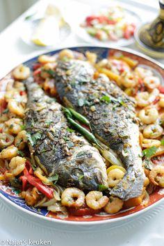 Dit is een heerlijk dorade recept uit de oven! Niks is wat het lijkt want dit gerecht is ontzettend makkelijk te maken. De voorbereiding is zeer eenvoudig en de smaak is indrukwekkend. Je snijdt even…