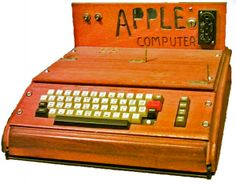 Steve Jobs Apple 1 Computer Sells for £240,929