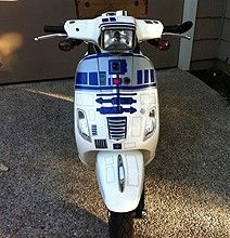 Star Wars Mod: The Super Geeky & Fabulous Scooter. A mix of two of my favorite things, and a Vespa! R2d2, Star Wars Vehicles, The Force Is Strong, Princess Leia, Star Trek, Nerdy, Bike, Scooter Motorcycle, Vespa Scooters