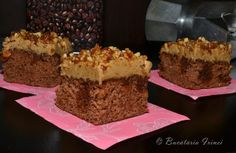 Coffee and walnut cake Coffee And Walnut Cake, Happy Vegan, Food Cakes, Raw Vegan, Cake Recipes, Deserts, Good Food, Food And Drink, Sweets