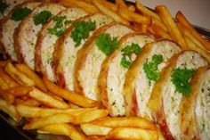 Érdekel a receptje? Meat Recipes, Cooking Recipes, Chicken Recepies, Cold Dishes, Hungarian Recipes, Diy Food, Food Pictures, Food And Drink, Yummy Food
