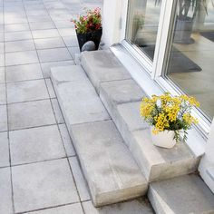 Släta betongplattor och betongtrappsteg