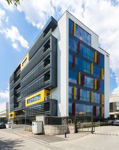 Office building - Bucharest by Point Zero & photo by Marius Grigore Office Building Architecture, 3d Architecture, Contemporary Architecture, Bucharest, Mario, Multi Story Building, Around The Worlds, Exterior, Modern