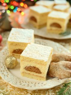 Sernik gotowany z pierniczkami Cheesecake, Polish Recipes, Polish Food, Yummy Cakes, Cornbread, Feta, Ale, Food And Drink, Favorite Recipes