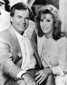 Hart to Hart. Robert Wagner and Stephanie Powers The Girl From Uncle, Stephanie Powers, Tv Show Couples, I See Stars, A Fine Romance, Girls Together, Old Tv Shows, N Girls, Hollywood Actor