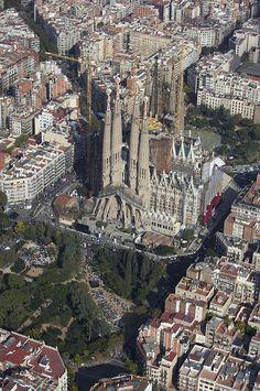 La Sagrada Familia When The Pope Photograph
