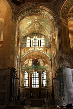 San Vitale Basilica: Chancel and Apse. Triumphal arch with Christ and apostles + Gervase and Prothase