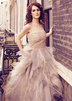 Michelle Dockery...look at that dress!!!