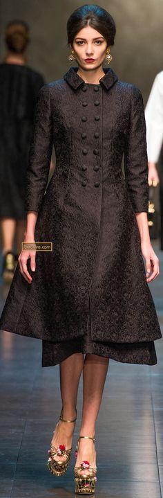 Dolce & Gabbana Fall 2013 Milan Fashion Week Show Estilo Fashion, Look Fashion, High Fashion, Winter Fashion, Fashion Show, Fashion Design, Couture Fashion, Runway Fashion, Womens Fashion
