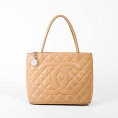 Chanel Medaillon Tote Ooooh I can't help it, I love the design, so gorgeous!