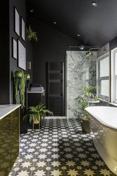 Looking for a contemporary bathroom decor look that channels the dark, moody int… - Modern Art Deco Bathroom, Boho Bathroom, Bathroom Trends, Modern Bathroom, Small Bathroom, Bathroom Ideas, Bathroom Renovations, Bathroom Organization, Parisian Bathroom