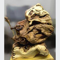 Đạt Ma bách xanh mắt phượng vip  Kích thước: 65-50-25 cm  Nặng khoảng 20 kg Lion Sculpture, Statue, Sculptures, Sculpture