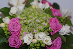 bouquet rose vert blanc