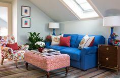 Wendy Lloyd Interior Design   Princeton, NJ Residence  #colorfulinteriors #colorfuldesign #classicdesign #traditionallivingroom #modernart #contemporarylivingroom #modernmixlivingroom #modernmixedwithtraditional #colorfuldecor