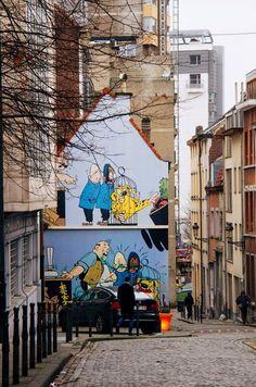 Street Art in Brussel: speciale route met bekende stripfiguren - Stripe Away Decoration Facade, Banksy, Graffiti, Street Art, Beautiful Streets, City That Never Sleeps, Belgium, Explore, Travel