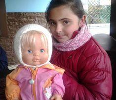 El mundo de los nenucos: Gorrito Nuevo para nenuco Baby Born, 18 Inch Doll, Dolls, Doll Accessories, Baby Doll Clothes, Baby Knitting, Baby Boy Sweater, Bebe, Puppet