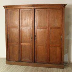 großer Kleiderschrank, Italien, um 1920, Eiche, Antiquitäten Berlin Antikmöbel Antike Möbel - Felix Bachmann