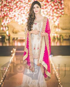 [New] The 10 Best Fashion Today (with Pictures) Nikkah Dress, Shadi Dresses, Pakistani Dresses Casual, Mehndi Dress, Pakistani Wedding Outfits, Pakistani Dress Design, Trendy Dresses, Girls Dresses, Formal Dresses