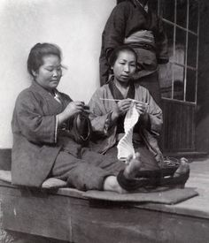 599445. Japanese women knit for soldiers during the Sino-Japanese War. 1894-1895. Eliza R. Scidmore