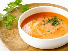 Endive and Tomato Soup - Recipes - Endive and tomato soup / Ingredients for 4 people / 8 endives, 2 tomatoes 60 cl chicken broth, 20 c - Tomato Soup Ingredients, Tomato Soup Recipes, Healthy Soup Recipes, Endive Recipes, Cooking Recipes, Best Crockpot Recipes, Quick And Easy Soup, Winter Dinner Recipes, Recipes Dinner