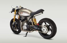 1990 Honda XR650L customized utilizing some Yamaha YZF-R6R parts along with a 2005 Ducati Multistrada Swing Arm.