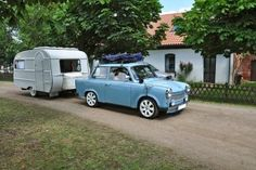 Caravan or Motorhome- which is best for you? This great post will help you decide so you can start planning your road trips! Caravan Hacks, Caravan Auto, Tyre Tread, Caravan Awnings, Automobile, Tiny Camper, Camping, Holiday Travel, Accessories