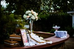 Bar Arrangement #thompsonhouseandgardens #flowersbyon