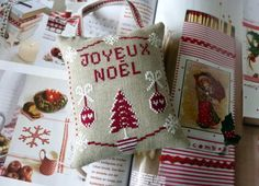 Coussin Joyeux Noël-3