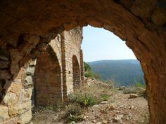 Publicamos el castillo de Llordá  que es una  fortificación del siglo XI, construida por Arnau Mir de Tost, mano derecha del Conde Urgel.
