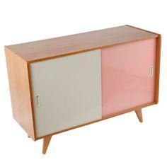 Interier Praha Wooden Dresser / nanovo