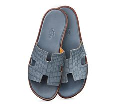 ed69b115b149 Izmir Hermes men s sandal in oily nubucked crocodile leather and leather  sole Hermes Slippers