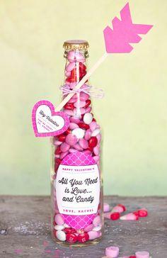 Mensaje de amor de san Valentin dentro de botella de vidrio