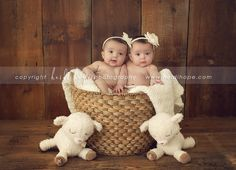 Ideas Baby Photography 6 Months Twin For 2019 Twin Babies Pictures, 3 Month Old Baby Pictures, Twin Baby Photos, Newborn Pictures, Twin Baby Photography, Food Photography, Newborn Twins, Baby Twins, Twin Baby Girls