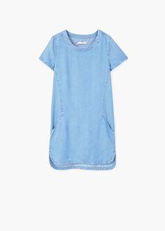 Soft denim jurk met medium wassing en twee klepzakken op de borst knoopsluiting aan de voorkant, twee steekzakken en driekwartmouwen met lusjes om ze op te stropen | MANGO