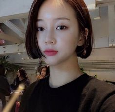 Short Hair Outfits, Girl Short Hair, Short Hair Cuts, Ulzzang Short Hair, Korean Short Hair, Hair Inspo, Hair Inspiration, Blonde Haare Make-up, Cabello Hair