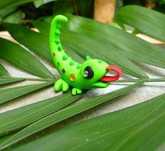 DeviantArt: More Like Fenrick, the lemur/sugar glider clay creature by crystalcookart Polymer Clay Projects, Polymer Clay Charms, Polymer Clay Creations, Resin Crafts, Polymer Clay Sculptures, Polymer Clay Animals, Sculpture Clay, Cute Lizard, Kids Clay