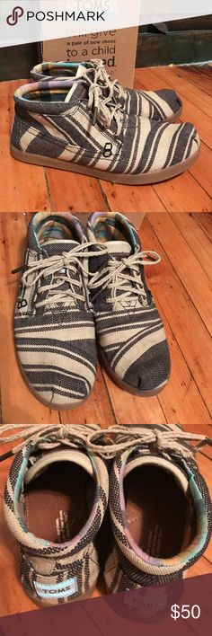 TOMS Kenya striped Botas size 6.5 Worn one time , these look brand new , they are adorable and extremely comfortable as TOMS always are !!  Cute with both shorts or jeans TOMS Shoes Ankle Boots & Booties