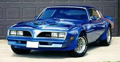 Beautiful 1978 Pontiac Firebird Trans Am...  I had one very similar to this when I was 20 years old...sure do miss that car <3