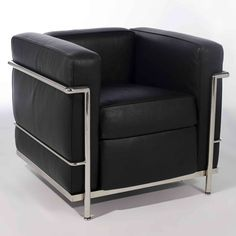 Modernismo LC2, Le Corbusier Furniture Forma geométrica, aço tubular e couro, estrutura exposta.