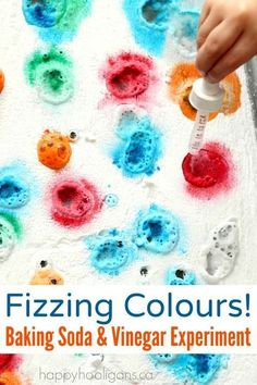 fizzing colours a baking soda and vinegar experiment for kids is part of Toddler science experiments - Fizzing Colours! A Baking Soda and Vinegar Experiment for Kids artIdeas ForToddlers Toddler Science Experiments, Science For Toddlers, Kindergarten Science, Science For Kids, Science Art, Summer Science, Science Education, Science Chemistry, Science Week