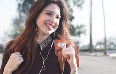 HiSmart bag merges wearable technology with minimalist fashion design
