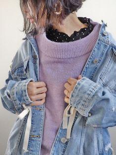 あ、髪切りました✂️ 前下りのショートボブに♡ ボロボロ編み編みのデニムジャケットと ラベンダーカ