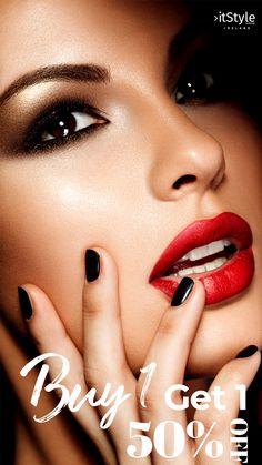 MAC Cosmetics Fall 2015 Vamplify Collection Has Arrived! Bright Makeup, Simple Makeup, Mac Cosmetics, Diy Beauty, Beauty Hacks, Full Brows, Makeup Guide, Makeup Ideas, Instagram Life