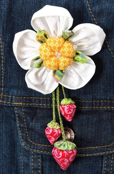 Fabric Flower Tutorial Pattern - StrawBerry Bunch Brooch © by La Todera